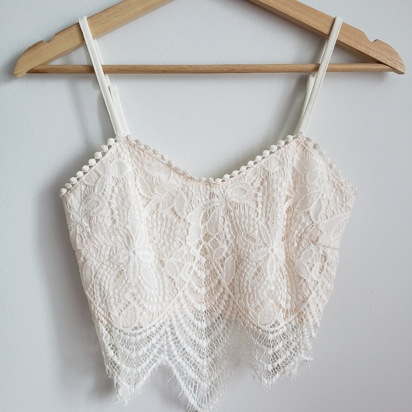 Beach Boho ✌🏻 White Lace Crop Top Size Small